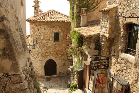 """Un pueblo que es un arca medieval """"colgado"""" en la Costa ..."""