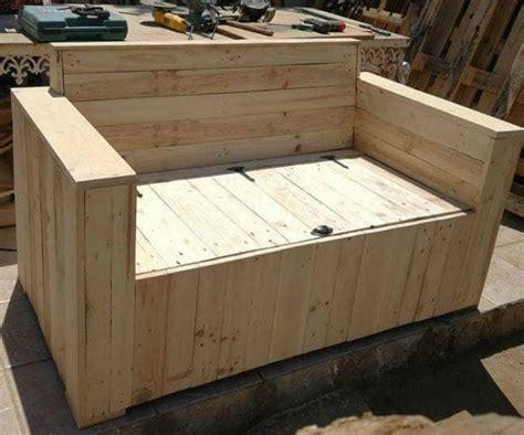 Un sofá de almacenaje hecho con palets para la terraza – I ...