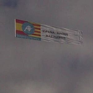 Una avioneta de Intereconomía vuela sobre Cataluña con la ...