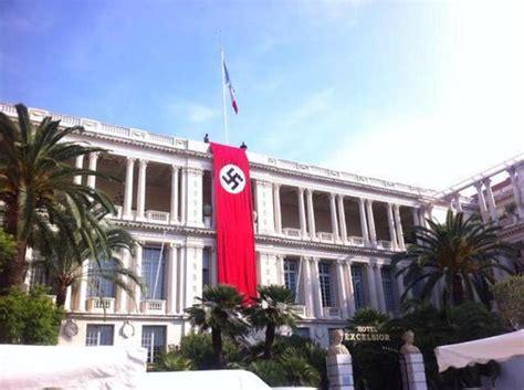 Una bandera nazi en el corazón de Niza desconcierta a los ...
