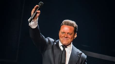 Univision Developing Luis Miguel TV Series Despite Singer ...