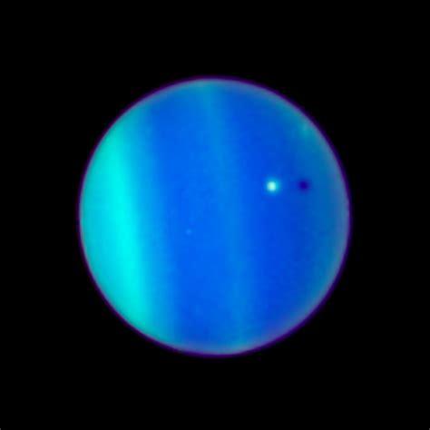Uranus and Ariel   2006   Unannotated | ESA/Hubble