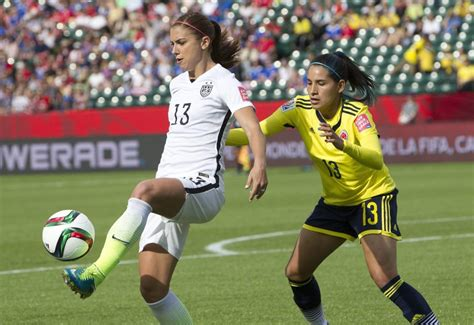 US Women's soccer team beats Colombia, advances at World ...