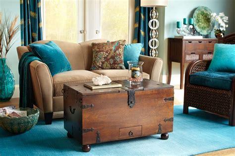 Utiliza baúles antiguos como mesas de centro   Blog de DIA