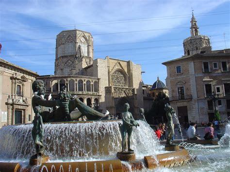 Valencia, storia musei e tanto colore | Viaggia Facile