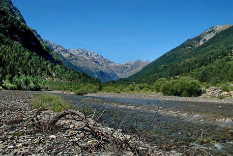 Valle de Bielsa  Rio Cinca  Huesca  Imagen & Foto ...