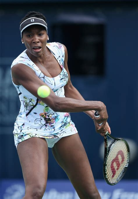 Venus Williams Pictures   WTA Dubai Duty Free Tennis ...