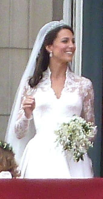 Vestido de casamento de Kate Middleton – Wikipédia, a ...