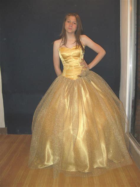 Vestidos dorados de 15 años