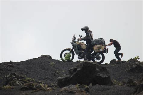 Viaje en moto: los peligros de dar la vuelta al mundo ...