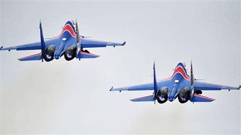 Video: Así realiza un avión de combate ruso una de las ...