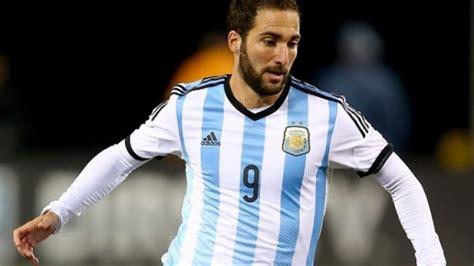 VIDEO - Higuain zittisce gli argentini: super gol anche in ...