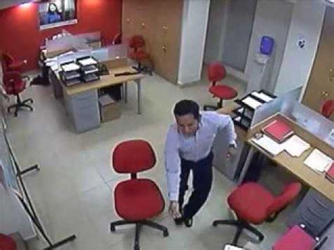 Video muestra imágenes de asalto al banco ProCredit | Doovi