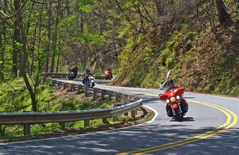 video | Smoky Mountain Motorcycle Rider