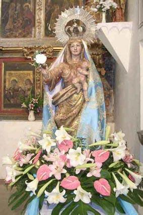 Virgen de las Nieves preparada para la procesión, MARNE  León