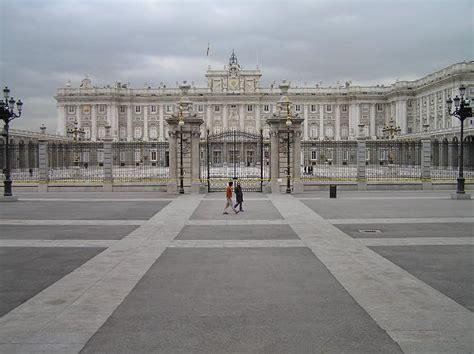 Visita a la plaza de Oriente y el Palacio Real