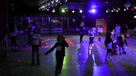 Visita Roller Disco - YouTube