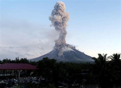 Volcán en erupción: Más de 60.000 desplazados en Filipinas ...