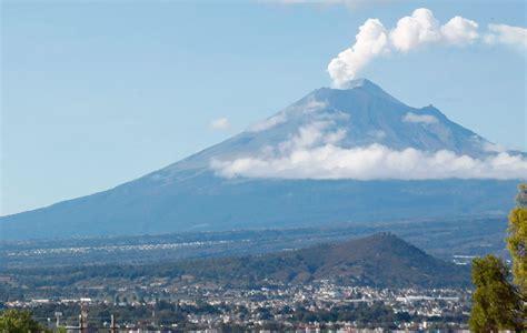Volcán Popocatépetl emite 140 exhalaciones de baja ...