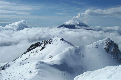 Volcans, une chaîne de mastodontes à plus de 5000 ...