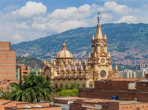 Vuelos Alicante Medellin desde 678 €   Rumbo