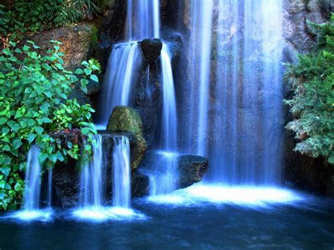 WALLPAPERS: WATERFALL