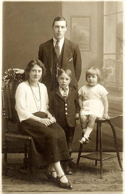Walter Henry Veal and family   The Baynham, Cale, James ...