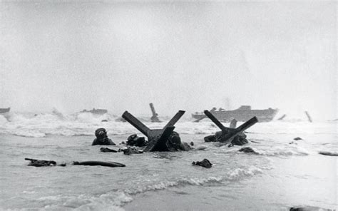 War Photographer Robert Capa and his Coverage of D day ...