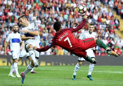 Watch Cristiano Ronaldo score a spectacular bicycle kick ...