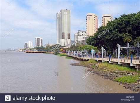Waterfront promenade, Malecon Park, Rio Guayas, Guayaquil ...