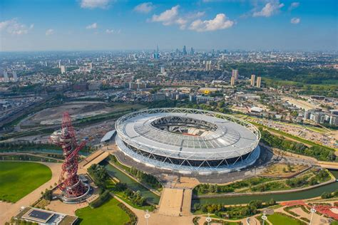 Wembley and The Emirates like you've never seen them ...