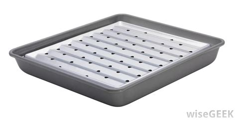 What is a Broiler Pan? (with pictures)