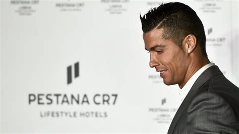 What Is Cristiano Ronaldo's Net Worth & Salary? See Full ...
