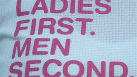 Women Rule the Social Web