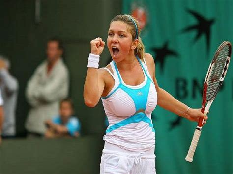 WTA Finals Live Scores: Simona Halep vs. Agnieszka ...