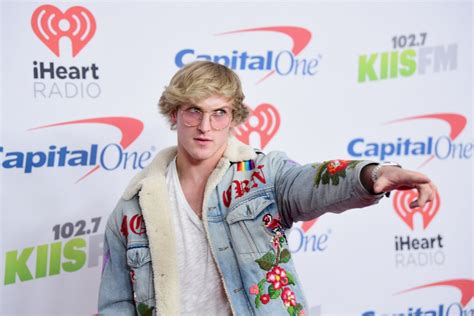 YouTuber Logan Paul apologizes for showing body of suicide ...