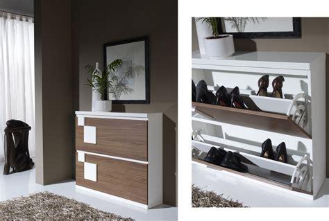 Zapateros modernos: tus zapatos en orden | Merkamueble