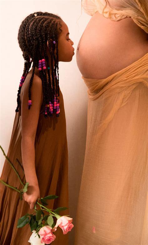 Zoë Foster Blake announces her pregnancy Beyoncé style
