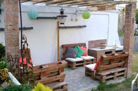 Zona chillout en jardín   Picture of Restaurante La Baska ...